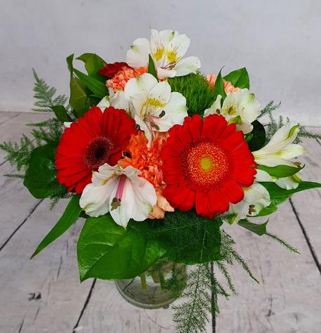 Mały bukiet z 4 rodzajów kwiatów (alstromeria, róża, gerbera, goździk) (1)