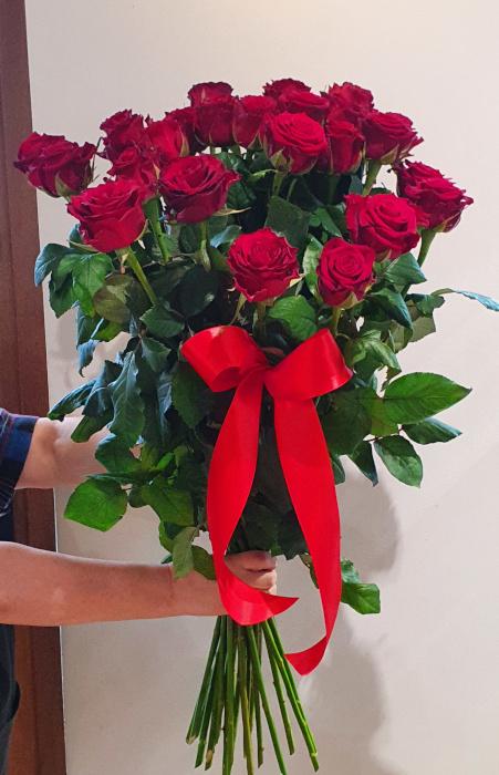Duży bukiet z róż - 25 szt. (około 70-80 cm) (1)