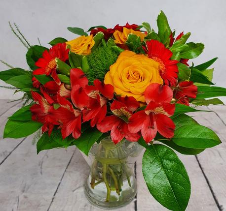 Mały bukiet z 3 rodzajów kwiatów (alstromeria, gerbera, goździki) (1)
