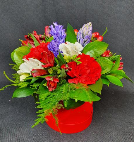 Średni Flower BOX czerwony z akcentem niebieskim (1)