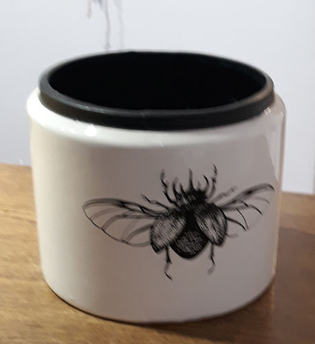 Osłonka / donica czarna z muchą duża ø15cm, wys.12cm (1)