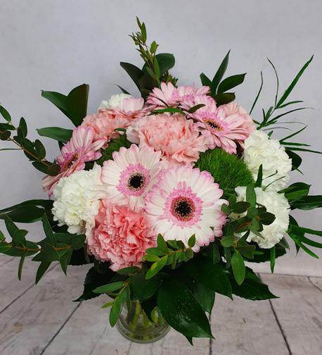 Średni bukiet z 2 rodzajów kwiatów (gerbera, goździk) (1)