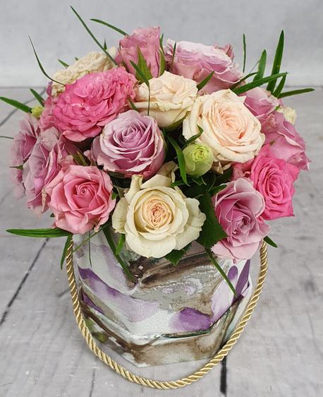 Średni wielobarwny Flower BOX z kwiatami pastelowymi (1)