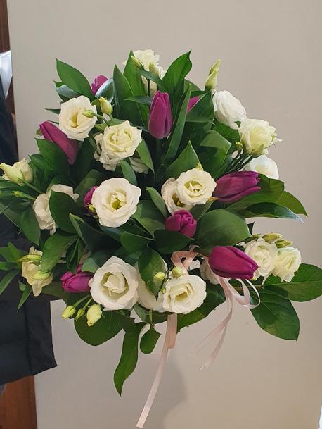 Duży bukiet z tulipanem (1)