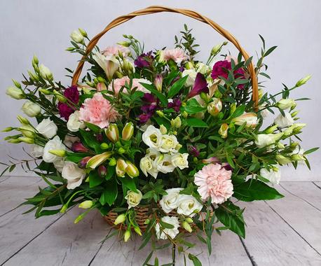 Duży kosz kwiatowy - 3 rodzaje kwiatów (alstromeria, goździk, eustoma) (1)